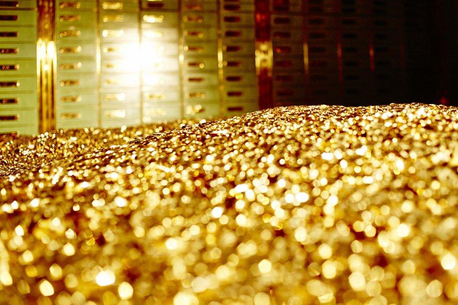 gold-vault-900-glitter